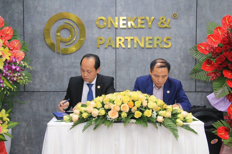 Onekey & Partners ký kết hợp tác với Quỹ chống hàng giả