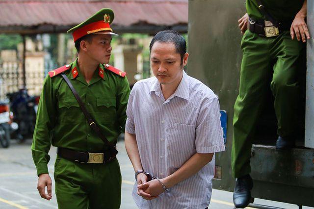Nâng điểm thi THPTQG cho 107 thí sinh Hà Giang: Sếp giáo dục nói gì trước tòa