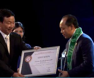 Ông Hà Kim Tâm – Chủ tịch Công ty Luật Onekey & Partners được vinh danh tại Đêm Doanh nghiệp 2019